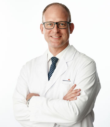 Dr. Michael Peters, gastroenterologist & internal medicine specialist based in Marbella